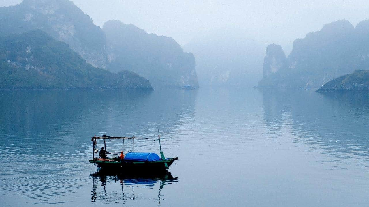 Halong bay : Travelling in Northern Vietnam